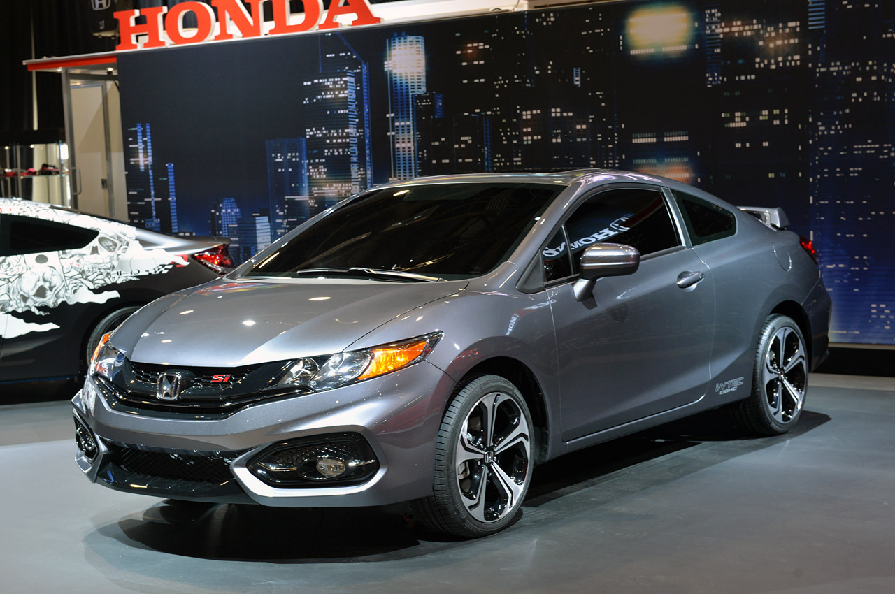 2014 honda civic si coupe debuts to bad reviews pakwheels blog. Black Bedroom Furniture Sets. Home Design Ideas