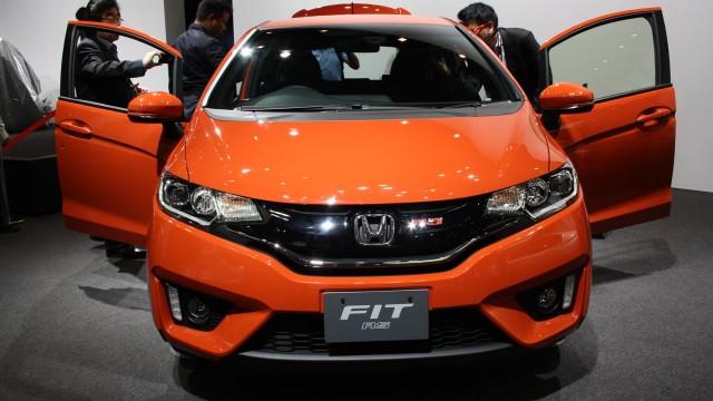 2014-Honda-Fit-RS