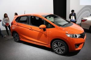 2014-Honda-Fit-RS-front-quarter