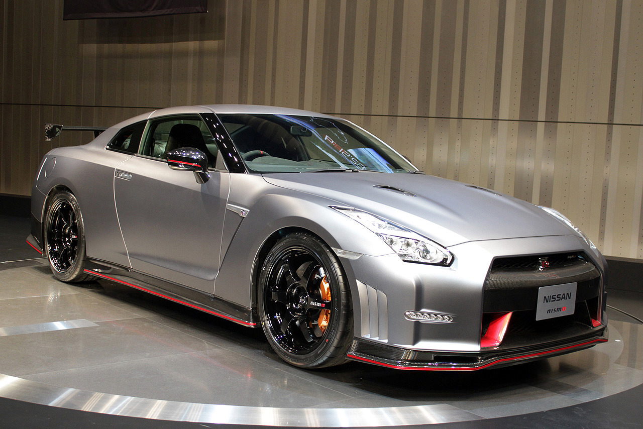 nissan unveils the 600 hp nismo gt r at tokyo motor show pakwheels blog. Black Bedroom Furniture Sets. Home Design Ideas
