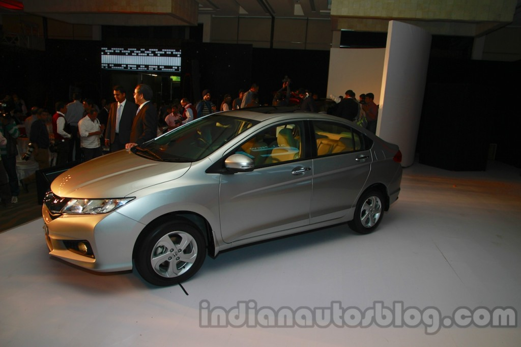 New-Honda-City-front-three-quarters-1024x682