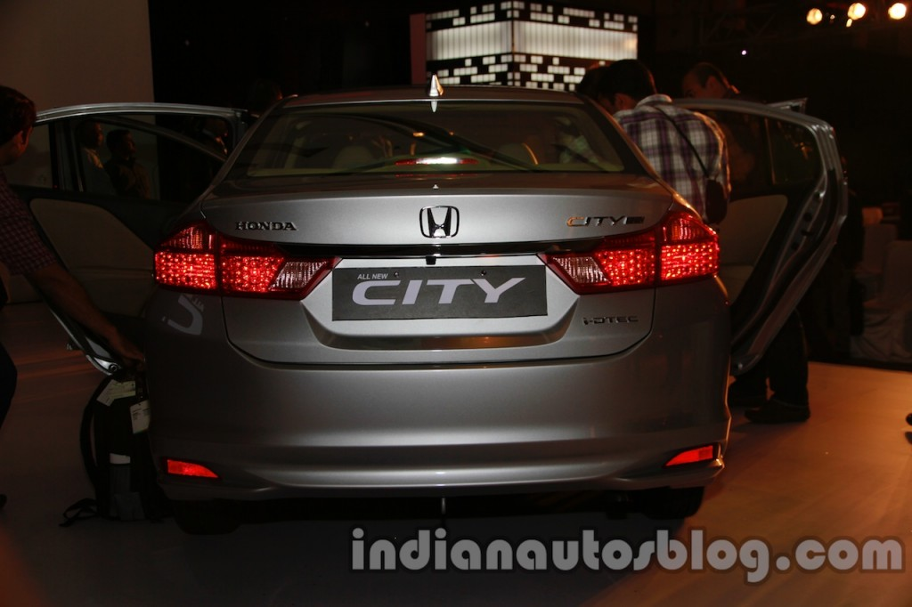 New-Honda-City-rear-1024x682