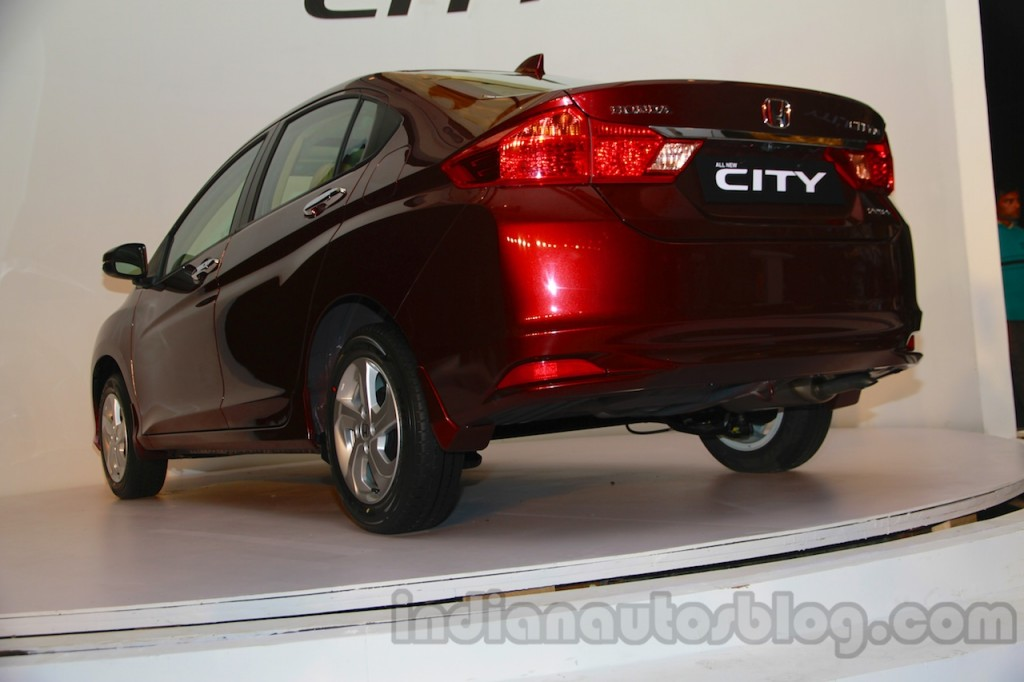 New-Honda-City-rear-three-quarters-left-1024x682