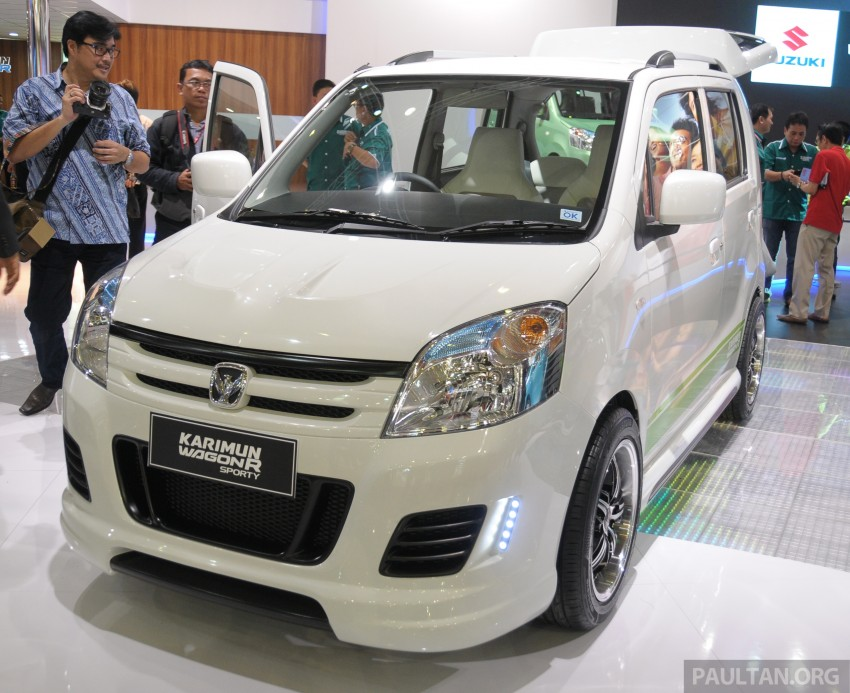 Here are the pictures of different variants of Karimun Wagon R: