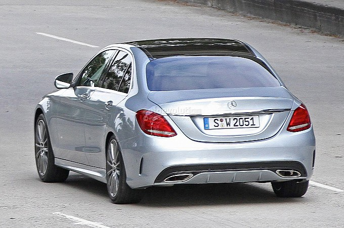 spyshots-2014-mercedes-c-class-reveals-its-new-design-medium_7