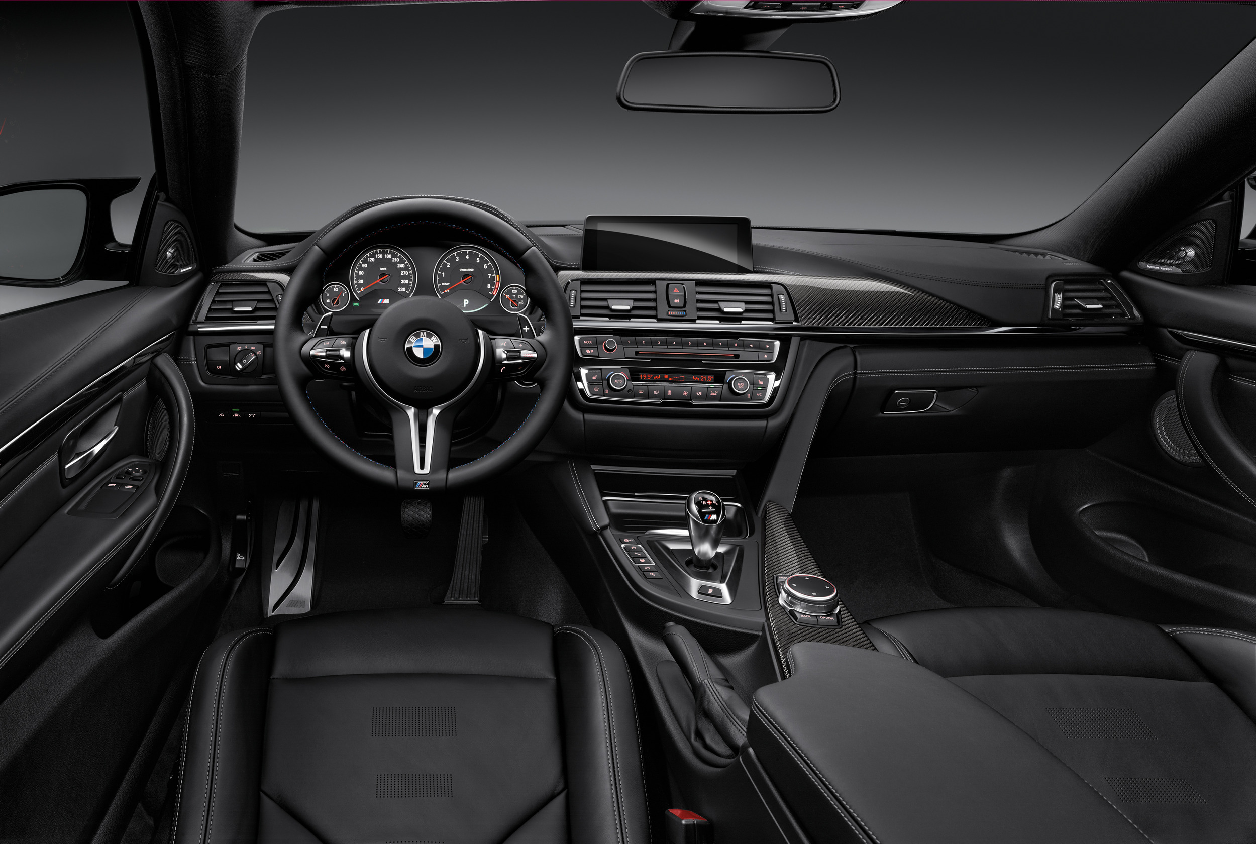 2015-bmw-m4-coupe-024-1
