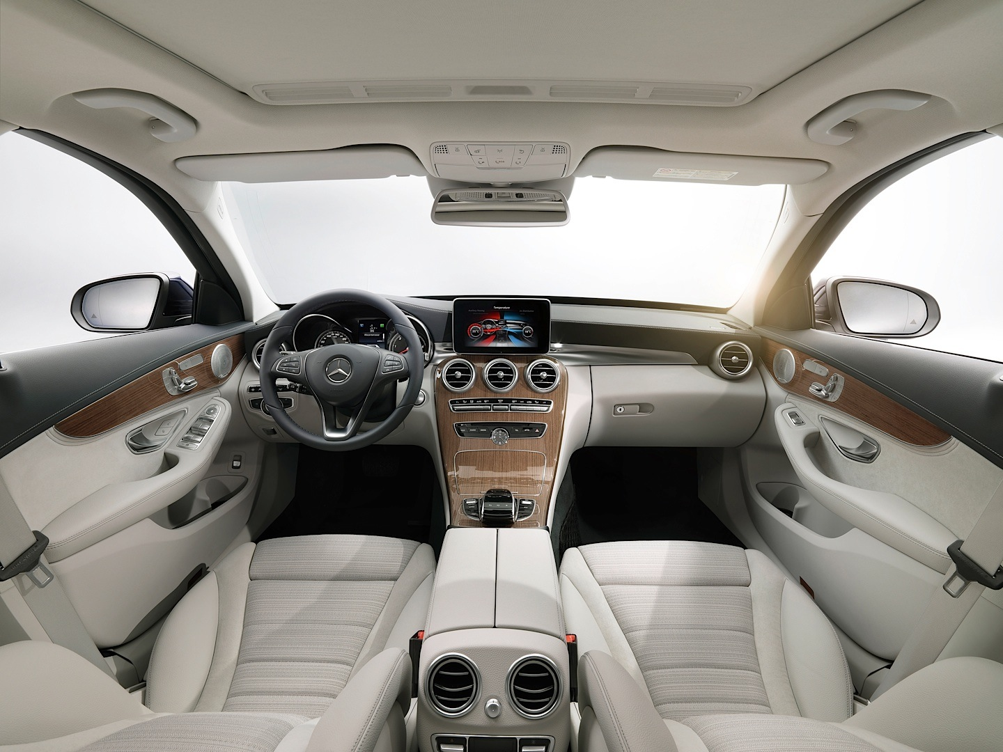 check-out-the-first-official-footage-with-the-new-c-class-w205-video-1080p-1