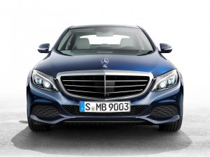 check-out-the-first-official-footage-with-the-new-c-class-w205-video-1080p-13