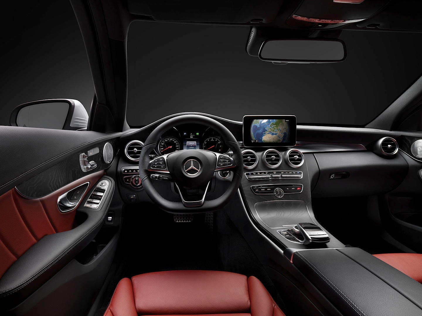 check-out-the-first-official-footage-with-the-new-c-class-w205-video-1080p-16