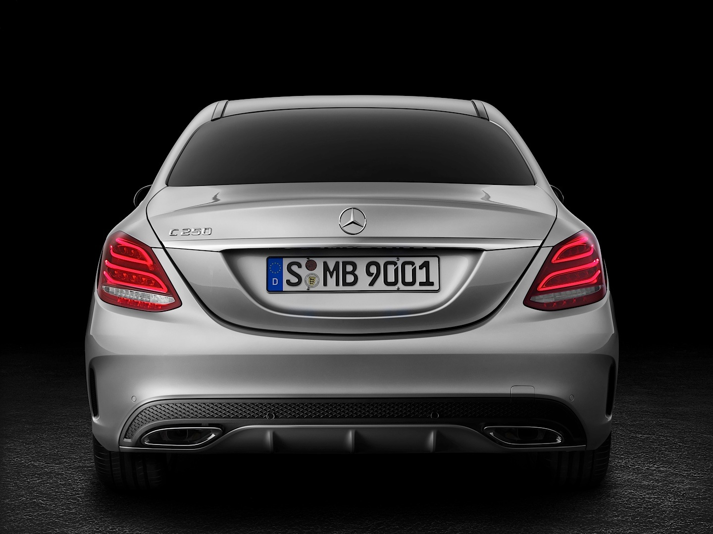 check-out-the-first-official-footage-with-the-new-c-class-w205-video-1080p-19