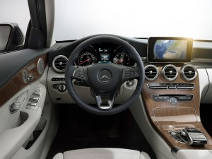 check-out-the-first-official-footage-with-the-new-c-class-w205-video-1080p-2