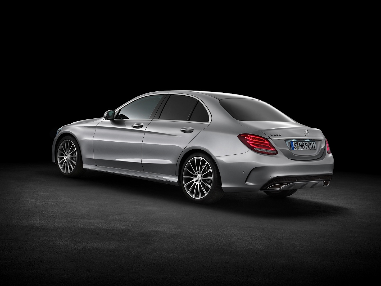 check-out-the-first-official-footage-with-the-new-c-class-w205-video-1080p-23