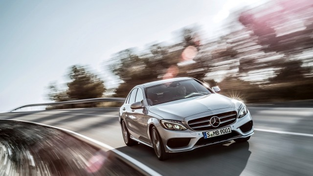 check-out-the-first-official-footage-with-the-new-c-class-w205-video-1080p-42