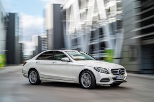 check-out-the-first-official-footage-with-the-new-c-class-w205-video-1080p-61