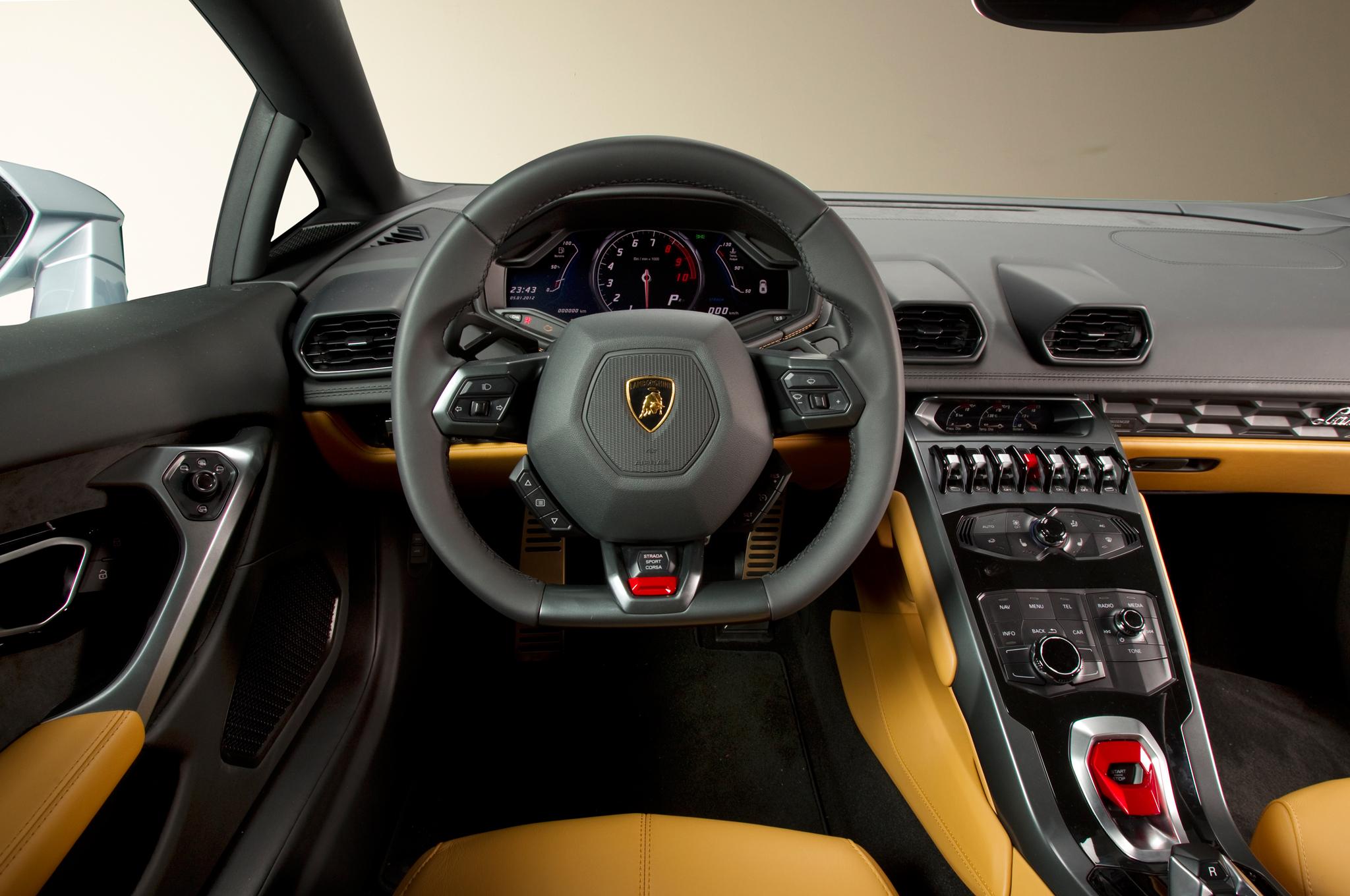 http—image.motortrend.com-f-roadtests-exotic-1312_2015_lamborghini_huracan_first_look-59411537-2015-Lamborghini-Huracan-cockpit