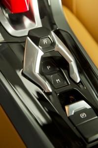 http---image.motortrend.com-f-roadtests-exotic-1312_2015_lamborghini_huracan_first_look-59411837-2015-Lamborghini-Huracan-gear-controls