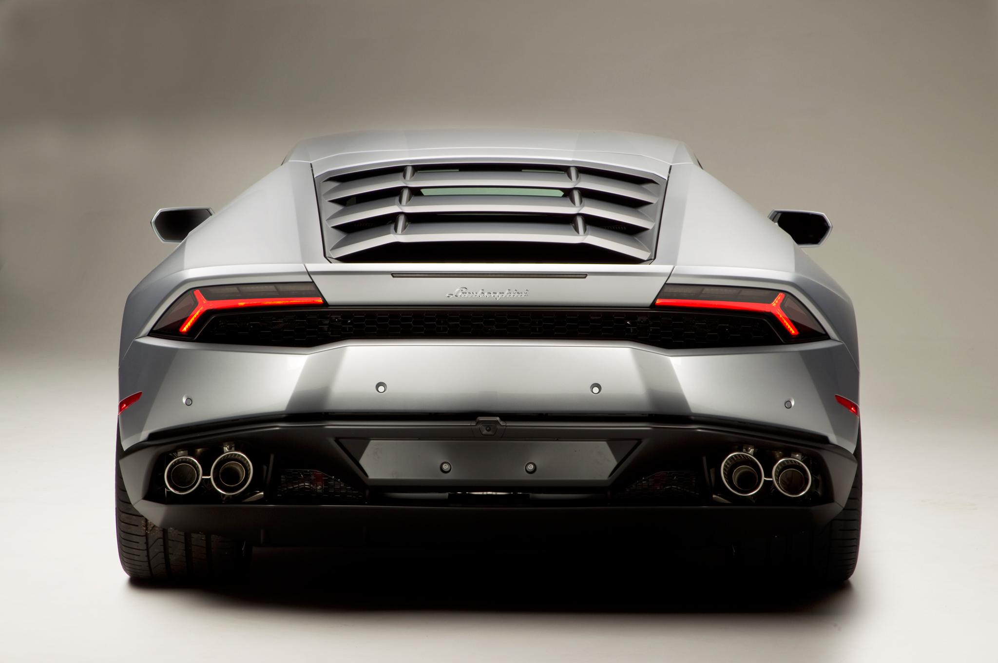 http—image.motortrend.com-f-roadtests-exotic-1312_2015_lamborghini_huracan_first_look-59412068-2015-Lamborghini-Huracan-rear-end