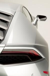 http---image.motortrend.com-f-roadtests-exotic-1312_2015_lamborghini_huracan_first_look-59412074-2015-Lamborghini-Huracan-rear-taillight-03