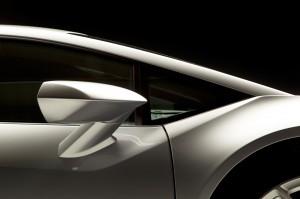 http---image.motortrend.com-f-roadtests-exotic-1312_2015_lamborghini_huracan_first_look-59412083-2015-Lamborghini-Huracan-rearview-mirror-02