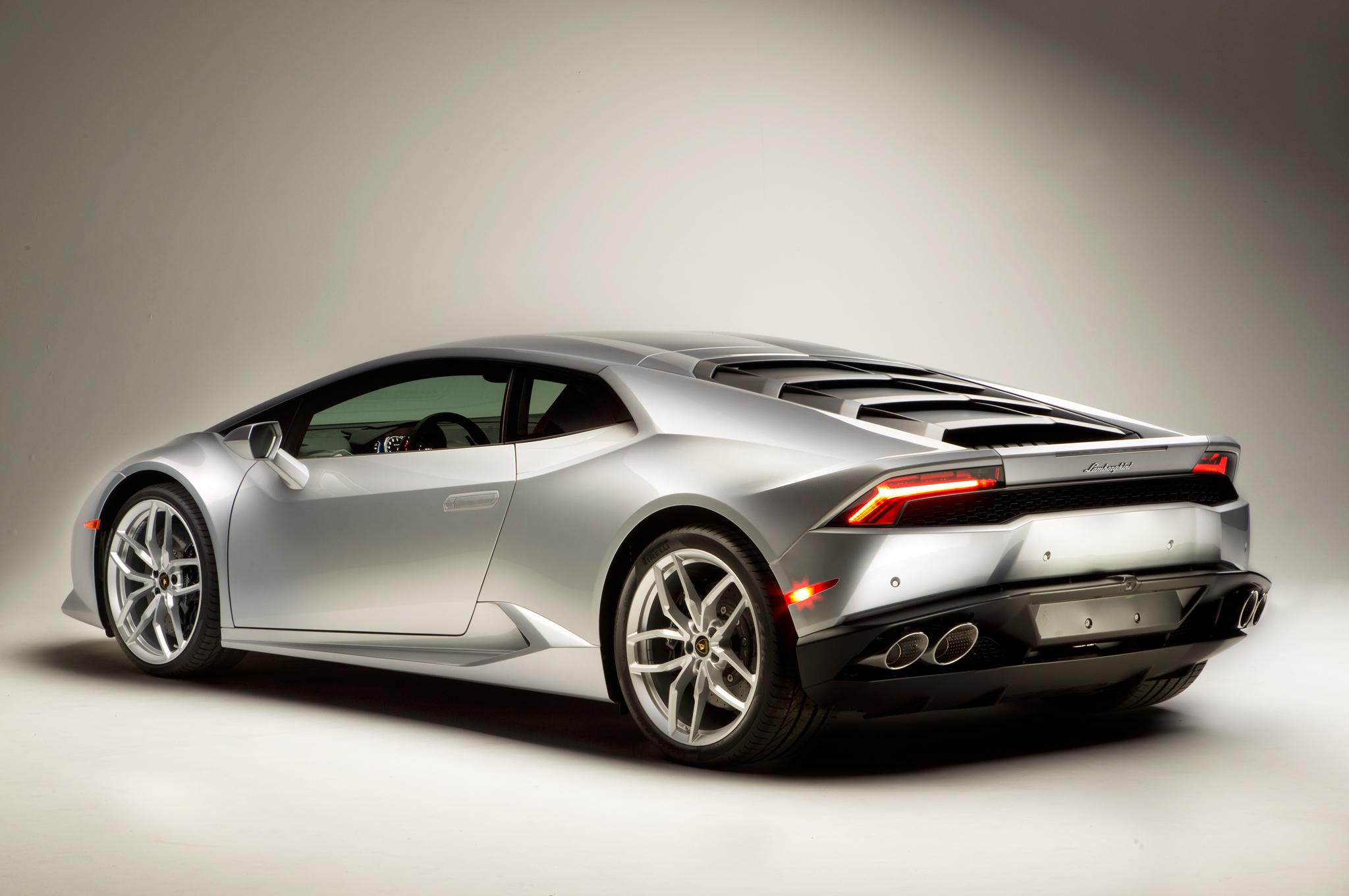 http—image.motortrend.com-f-roadtests-exotic-1312_2015_lamborghini_huracan_first_look-59412131-2015-Lamborghini-Huracan-rear-three-quarters