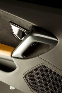 http---image.motortrend.com-f-roadtests-exotic-1312_2015_lamborghini_huracan_first_look-59412176-2015-Lamborghini-Huracan-speaker