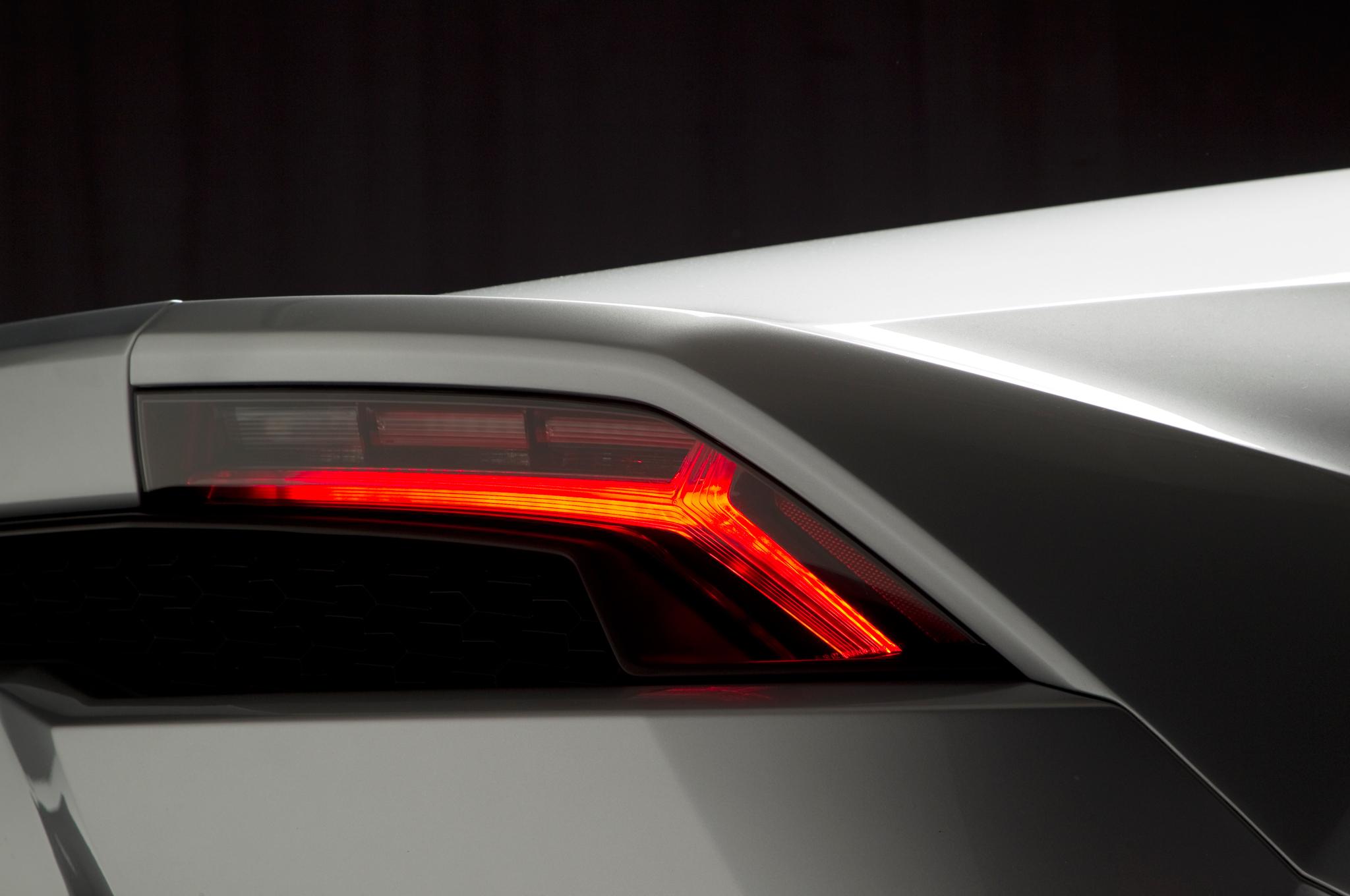 http—image.motortrend.com-f-roadtests-exotic-1312_2015_lamborghini_huracan_first_look-59412206-2015-Lamborghini-Huracan-taillight-02