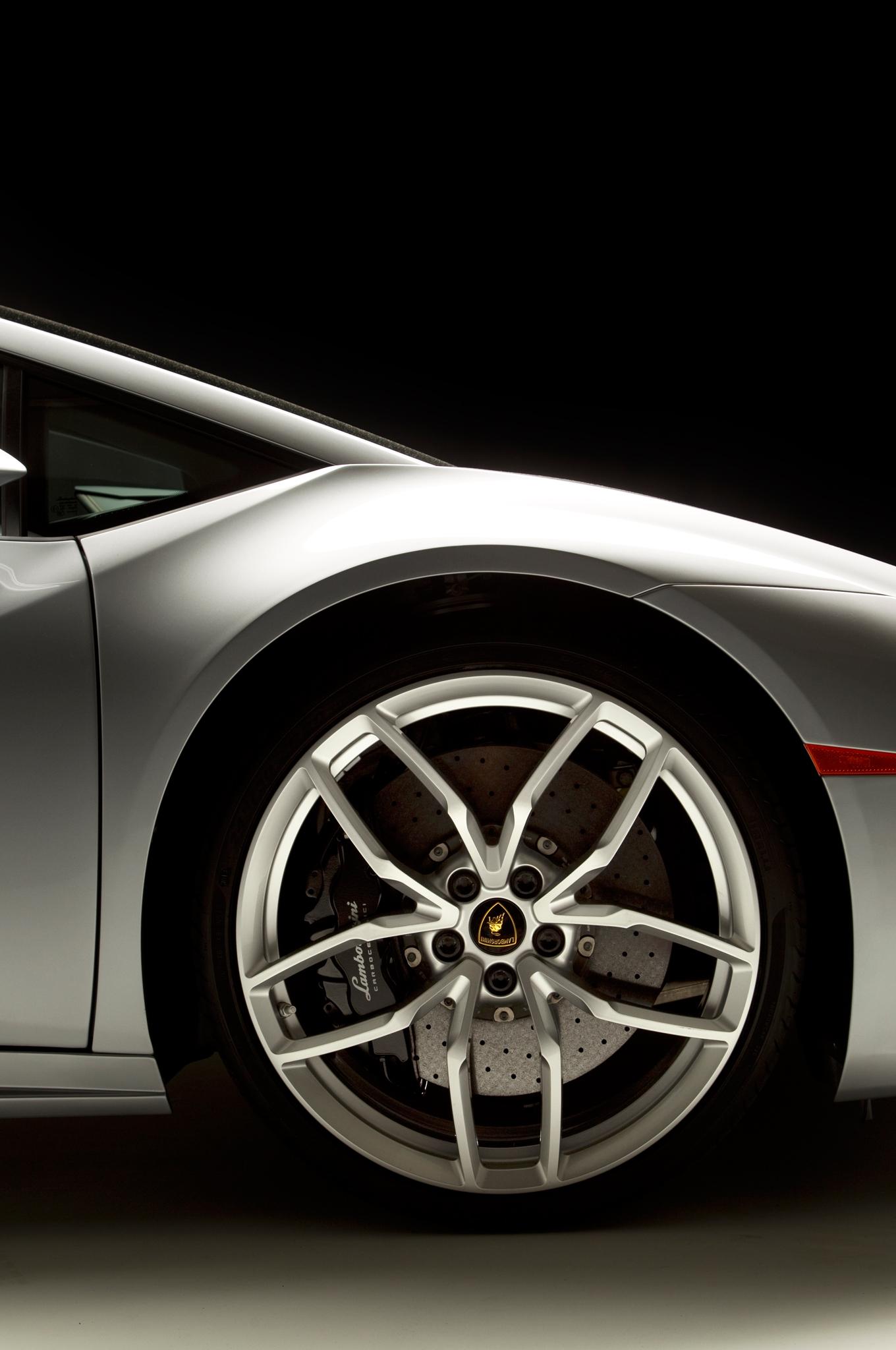 http—image.motortrend.com-f-roadtests-exotic-1312_2015_lamborghini_huracan_first_look-59412221-2015-Lamborghini-Huracan-wheels
