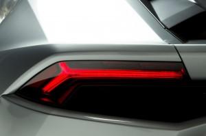 http---image.motortrend.com-f-roadtests-exotic-1312_2015_lamborghini_huracan_first_look-59412248-2015-Lamborghini-Huracan-taillight