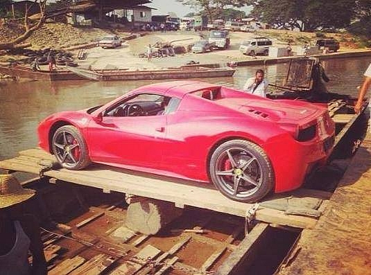 second-lamborghini-aventador-crosses-river-on-a-boat-lamboatini-medium_2