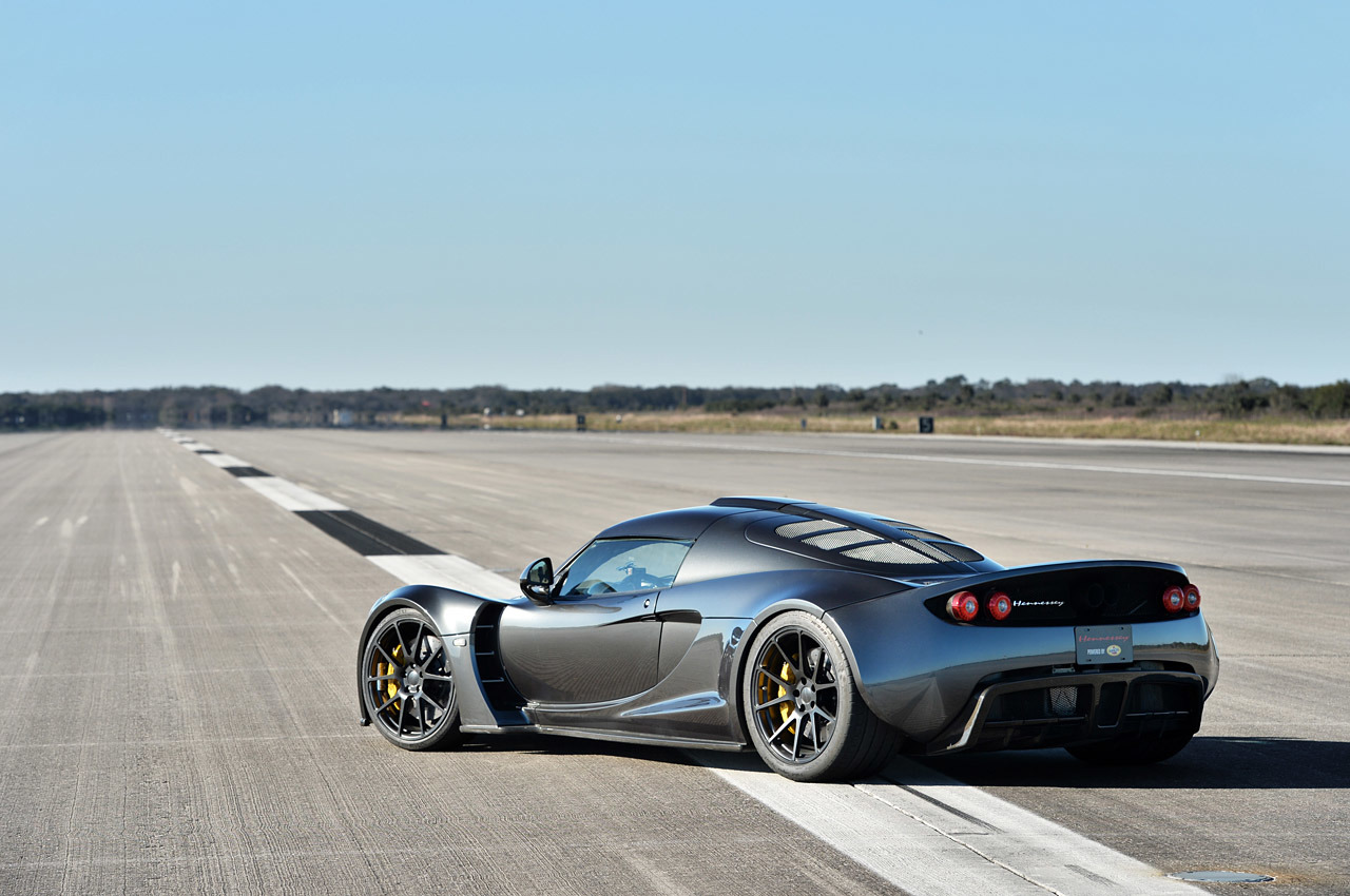 hennessey venom gt shatters bugatti veyron 39 s speed record pakwheels blog. Black Bedroom Furniture Sets. Home Design Ideas