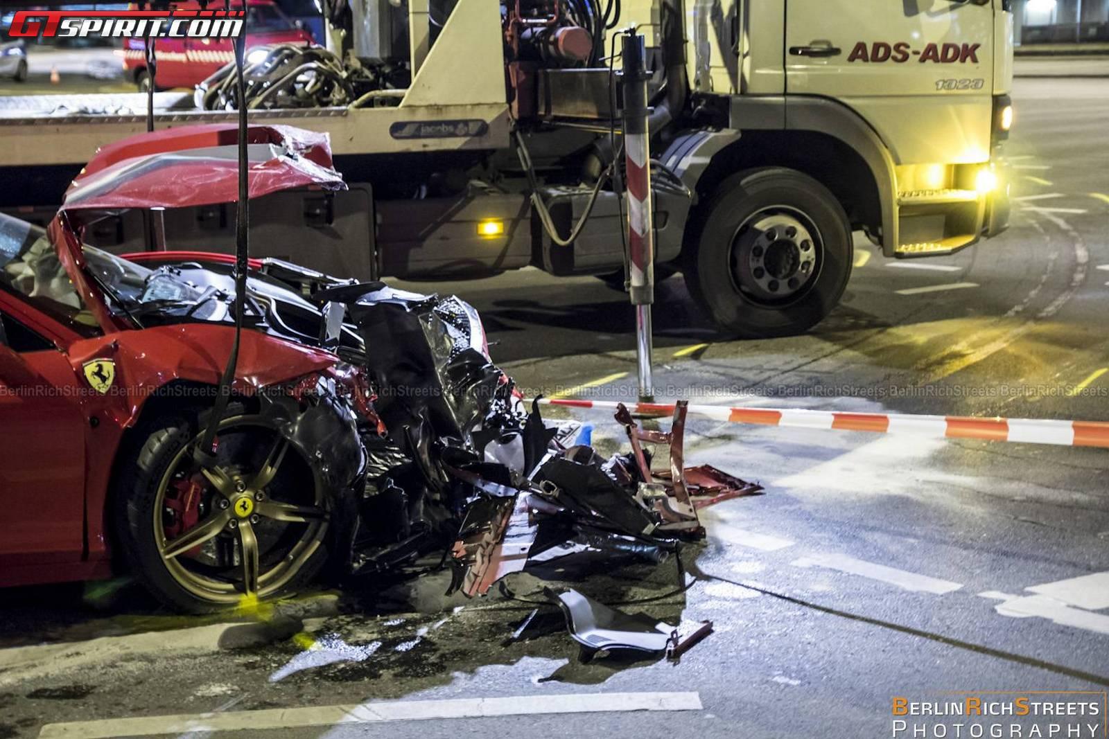 ferrari-458-speciale-crash-11