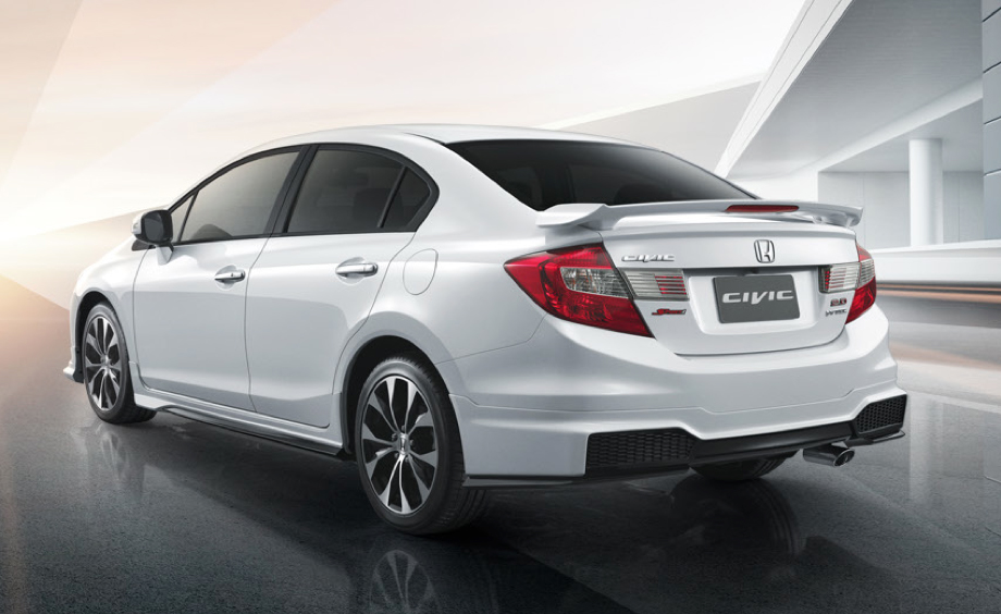 2014_Honda_Civic_facelift_Thailand_06