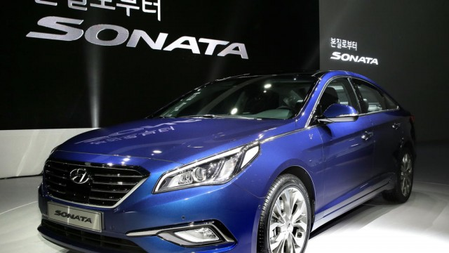2015-Hyundai-Sonata-press-shot
