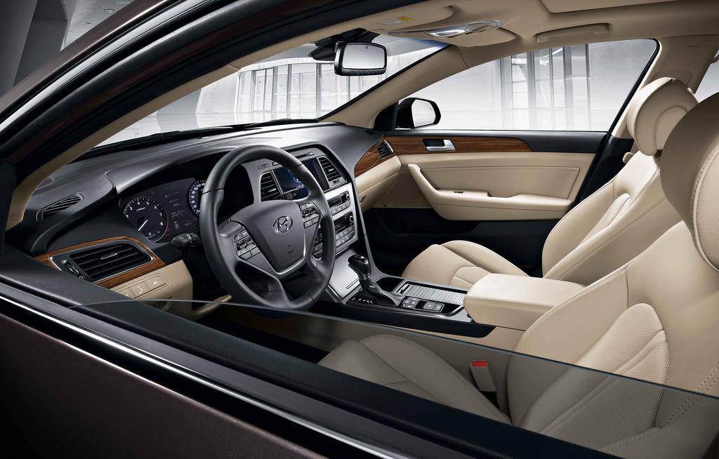 2015-Hyundai-Sonata-press-shot-cabin