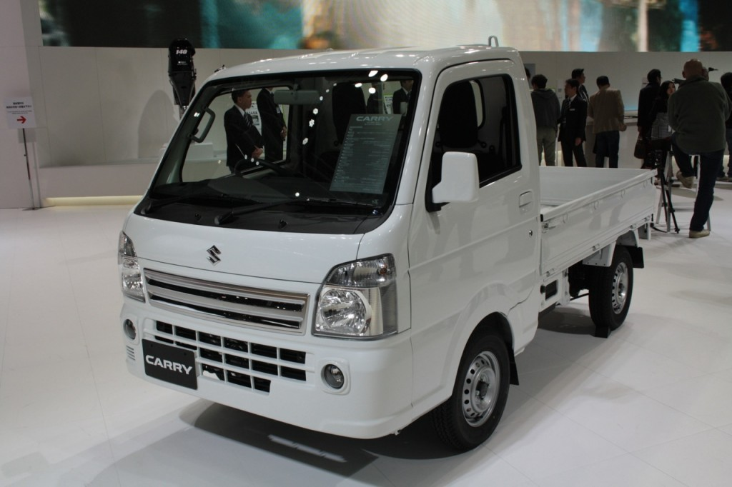 Suzuki-Carry-front-three-quarters-at-Tokyo-Motor-Show