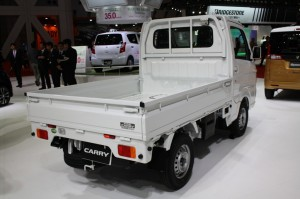Suzuki-Carry-rear-three-quarters-at-Tokyo-Motor-Show-1024x682