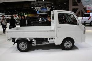 Suzuki-Carry-side-at-Tokyo-Motor-Show-1024x682