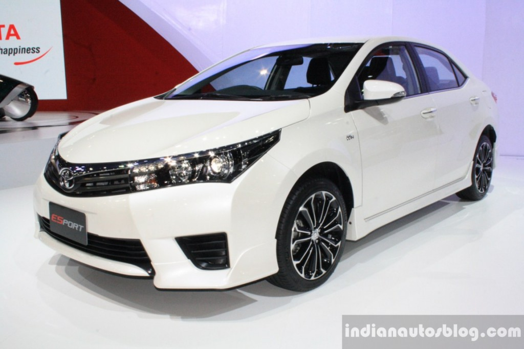 Toyota-Corolla-Altis-ESport-front-three-quarters-right-at-2014-Bangkok-Motor-Show