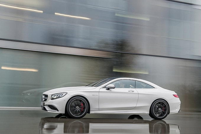mercedes-new-s-63-amg-coupe-revealed-is-a-sexy-brute-photo-gallery-medium_19