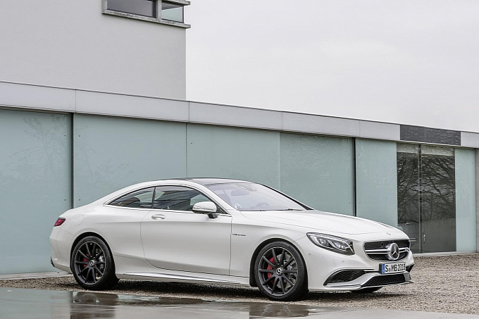 mercedes-new-s-63-amg-coupe-revealed-is-a-sexy-brute-photo-gallery-medium_8