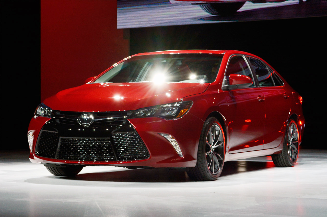 Carbon Fiber Wheels >> 2015 Toyota Camry unveiled at the New York Auto Show ...