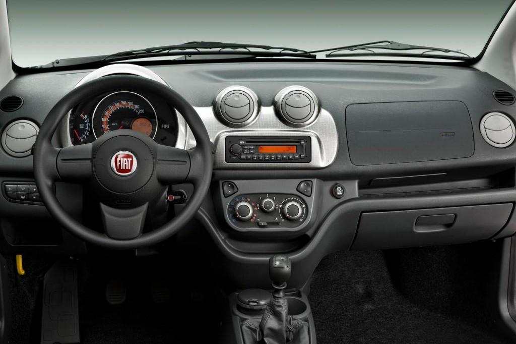 2010-Fiat-Uno-dashboard