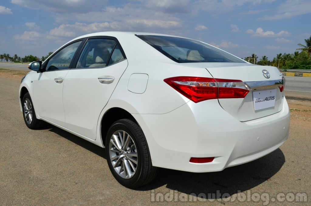 2014 toyota corolla altis launched in india pakwheels blog. Black Bedroom Furniture Sets. Home Design Ideas
