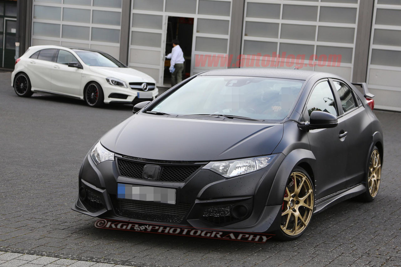 2015 Honda Civic Type R Caught Testing Without Camouflage
