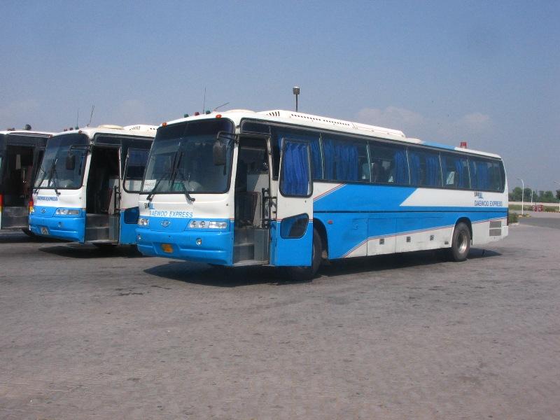 9-sep-daewoo-buses-on-the-m2