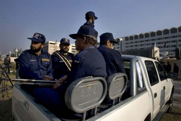 Private Guards in Toyota Vigo