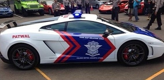 lamborghini-aventador-and-gallardo-become-police-cars-in-indonesia-medium_8
