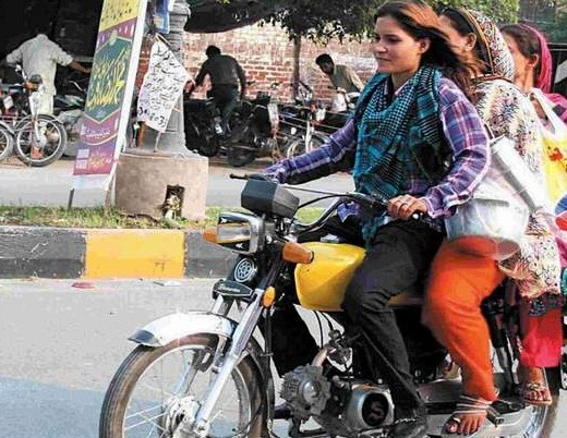 Sialkot-Women-Ride-Motorcycle-bike-Leaving-2013-Behind-Sialkot-Brave-Women-2014