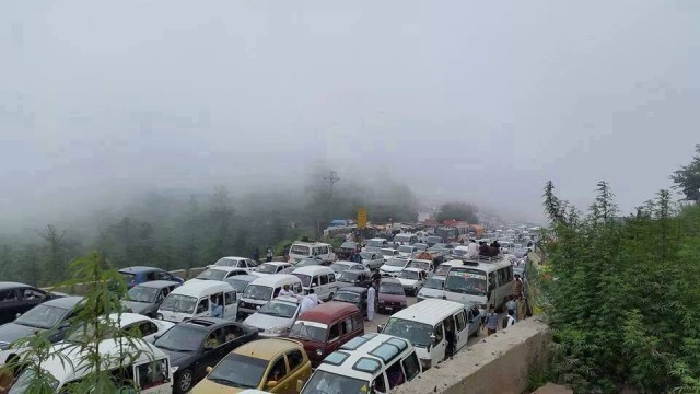 Traffic-Jam-in-Murree
