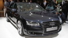 2015-audi-a8-front-three-quarters